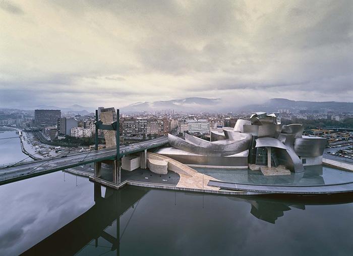 Int-News-Bilbao-2-guggenheim